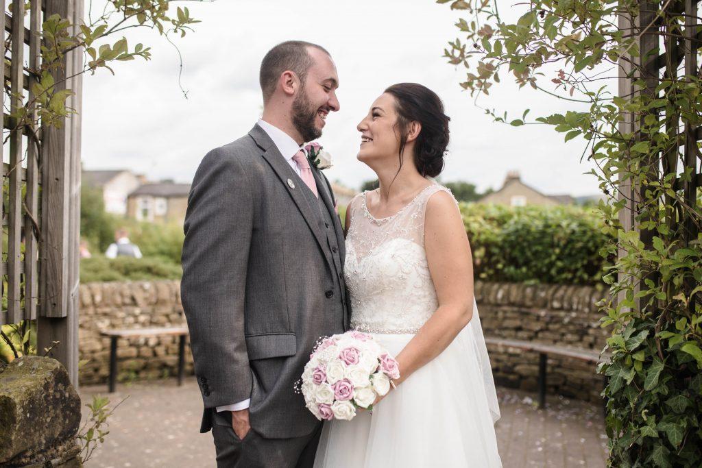 bride na groom, Lancashire wedding photography.