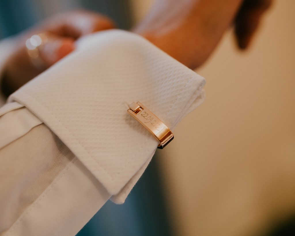 brides cuff links, creative wedding photography in the Lake District